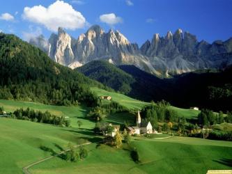 Fond ecran paysage montagneux